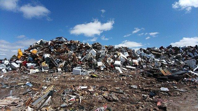Většina odpadu, který vyprodukujete, skončí na skládce.